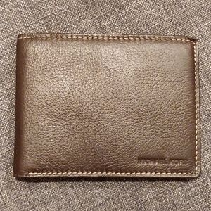 New men's Michael Kors wallet